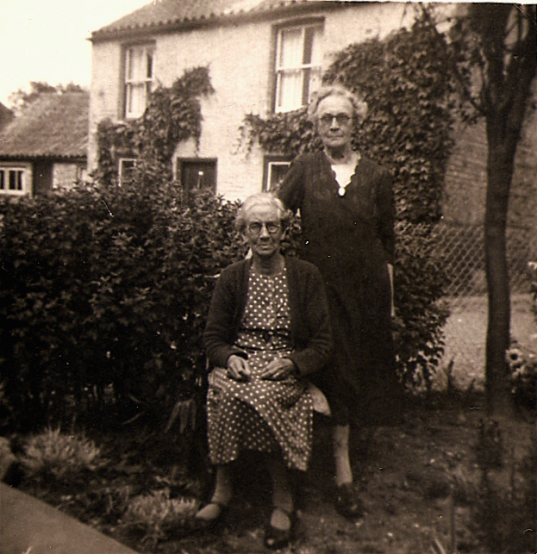 Rose Ellen Martin with sister-in-law Rebecca Ann (née Lythell) in later years.