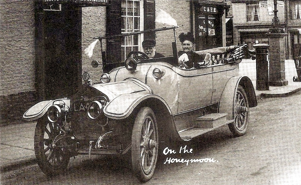 Newly-wed elderly couple Robert Symonds and Mary Howlett in a car in Ely, 1914.